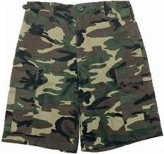 reviewing camo shorts